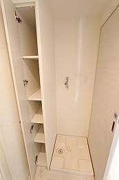 洗濯置場・収納スペース