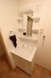 シャワー式洗髪洗面台は新品