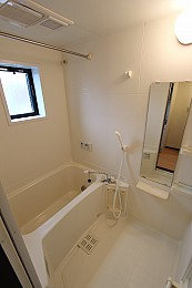 浴室暖房乾燥機完備・追い焚きもあります