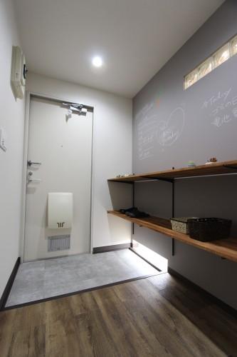 安心で便利な宅配ボックス完備☆