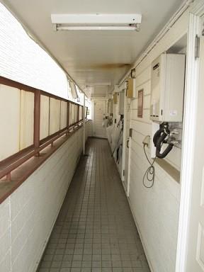 共用部 2階廊下