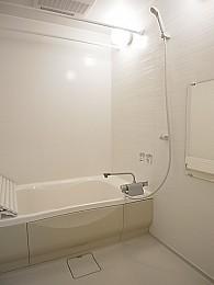 浴槽かなり広いです