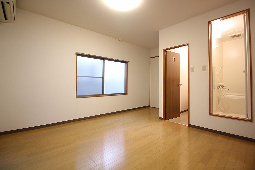 窓が大きいお部屋