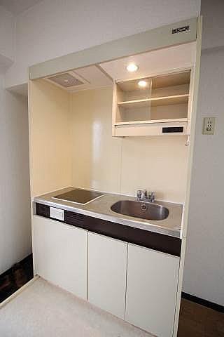 キッチン 棚ついてます