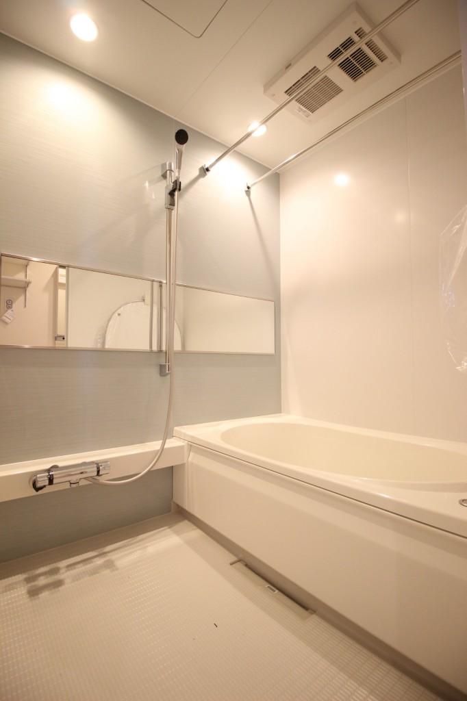 追焚機能、浴室乾燥機付きのバスルーム♪