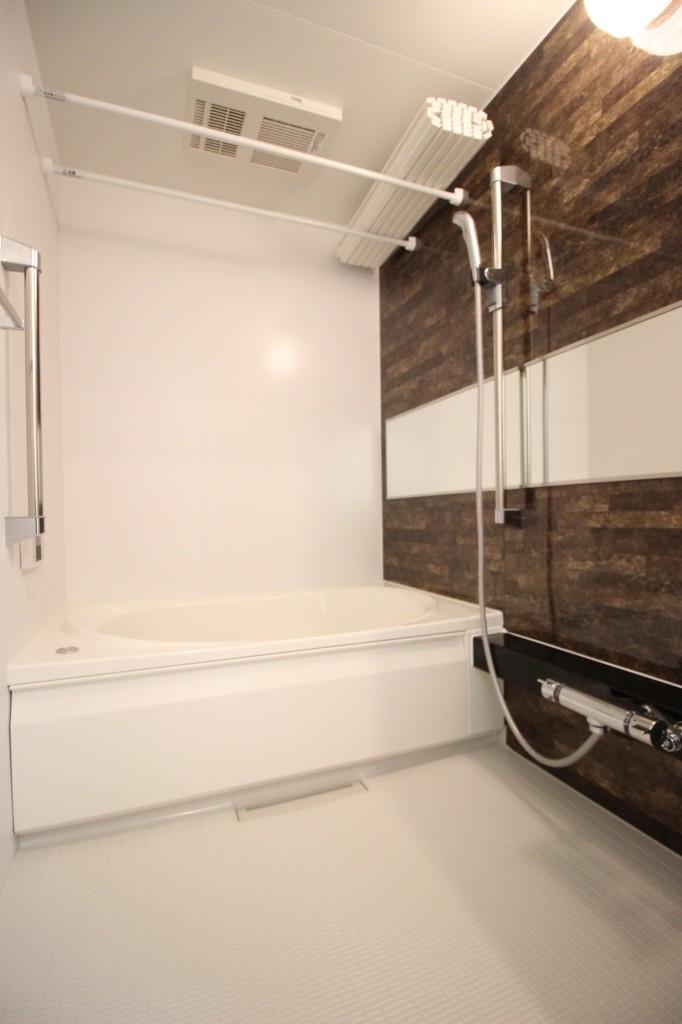 浴室乾燥機・追焚機能付きのバスルーム♪