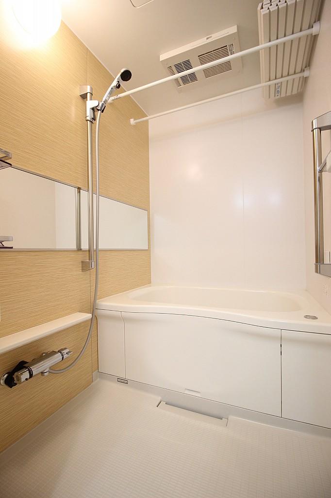 浴室乾燥機、追焚機能付きのバスルーム♪