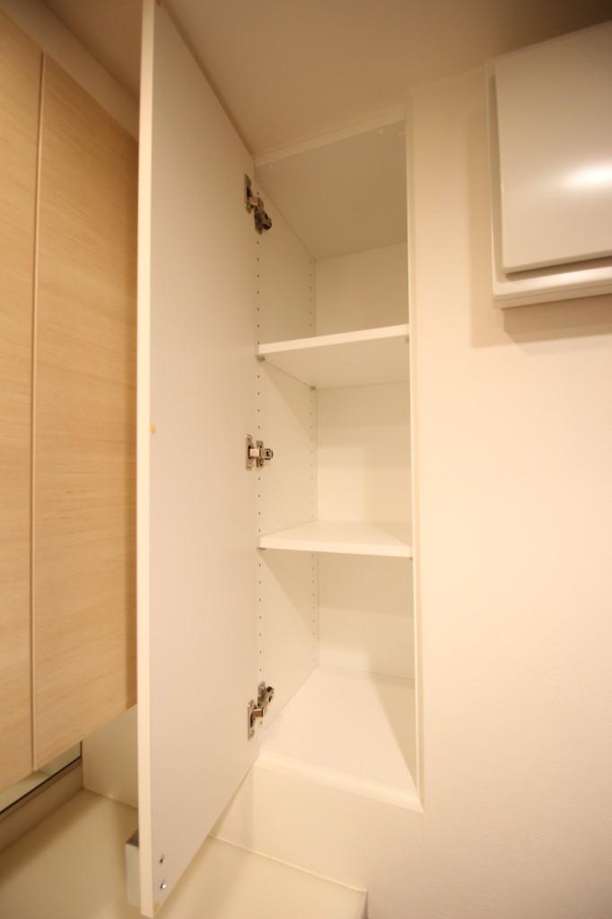 洗面スペースにも、タオルを入れる収納がきちんと付いています!