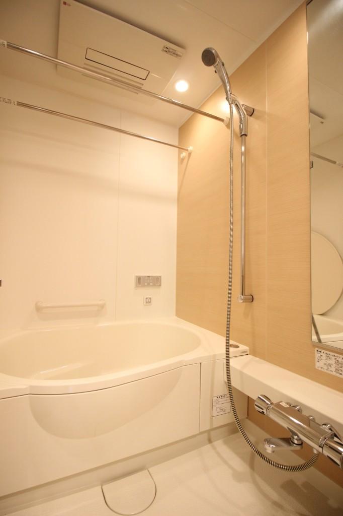 浴室乾燥、追焚機能、ミストサウナ、オーディオバスと設備充実のバスルーム!