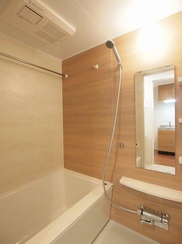 浴室には浴室乾燥機が完備されています。