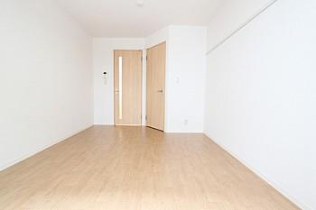 床材はクッションフロアです。
