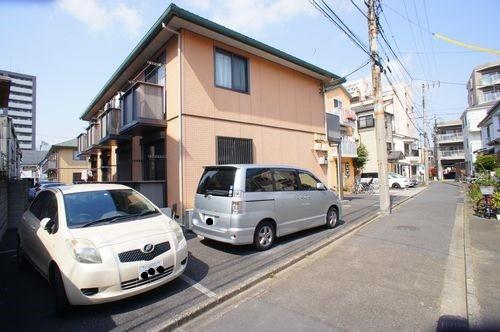 積水ハウスの賃貸住宅シャーメゾンです。川崎駅徒歩圏で敷地内に駐車場もございます。