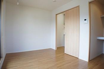 間口の広めな居室は使い勝手が良いです。