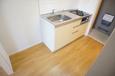 キッチンスペースはコンパクトになっております。