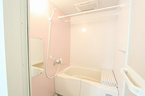 浴室には乾燥機機能完備