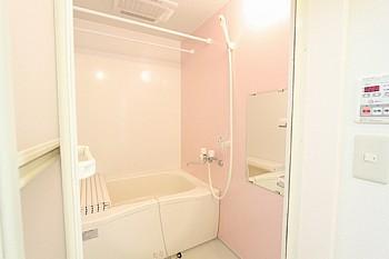 浴室乾燥機完備です。