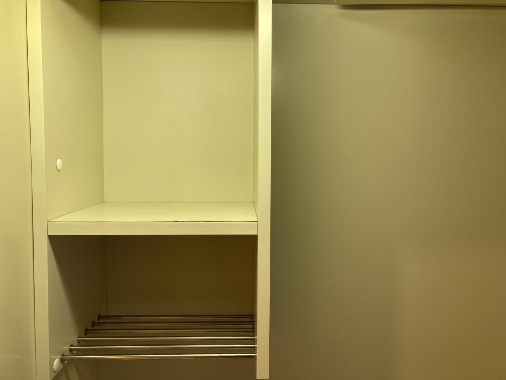 キッチン台の収納棚です!!