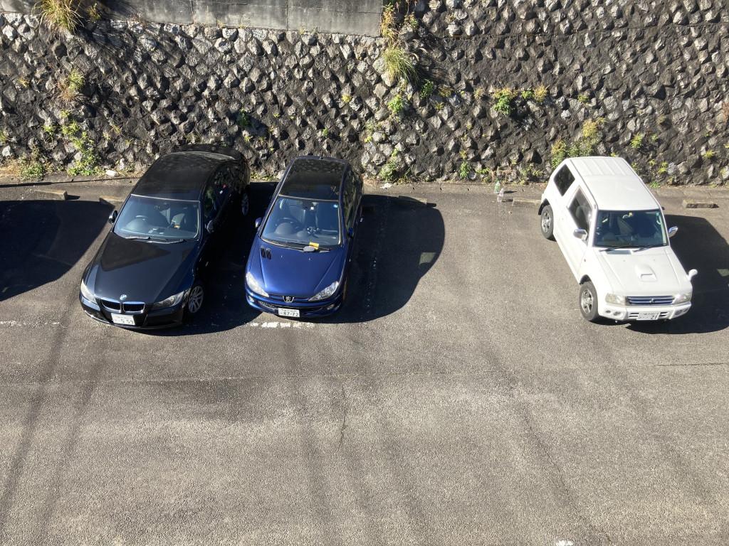 敷地内に駐車場・バイク置場があります!
