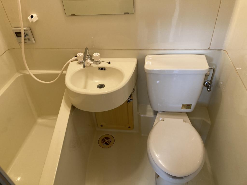 浴室内部!