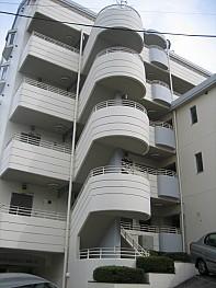 6階建てオートロックマンション!