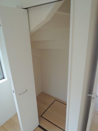 階段下収納!