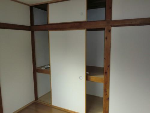 洋室(1)収納
