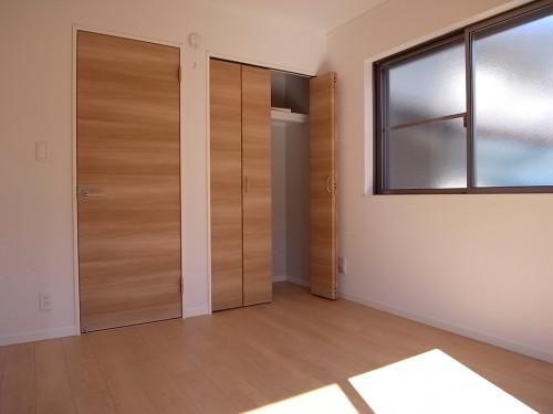 1階:洋室収納