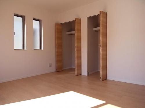 2階:洋室7.3帖