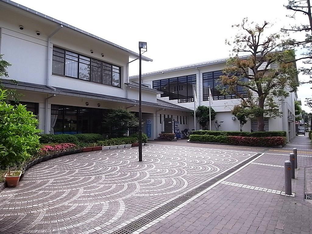 神奈川地区センター 120m