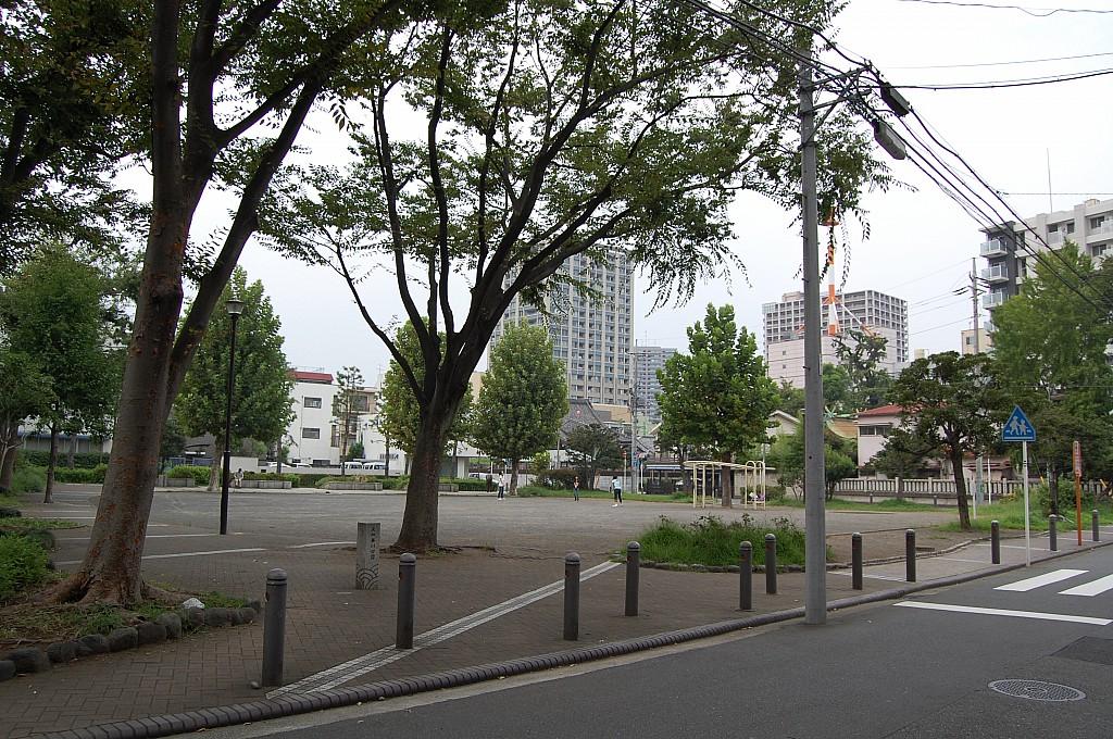 東神奈川公園 60m