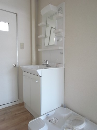洗面台・洗濯機置き場(新規交換)