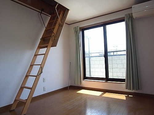 2階 洋室7帖