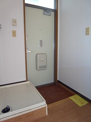 玄関・洗濯機置き場