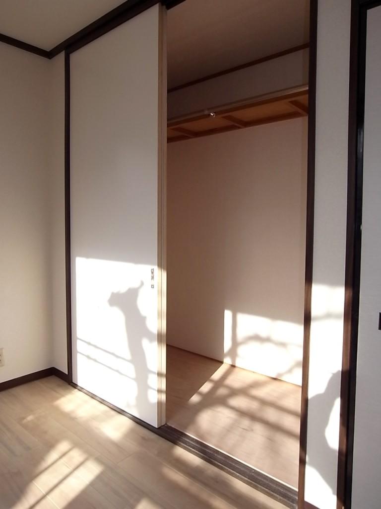 2階 洋室収納