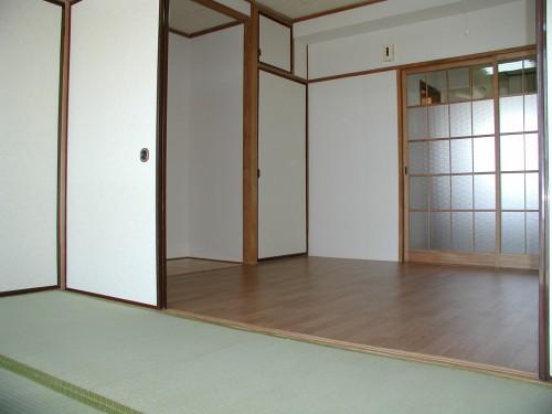 内装(6帖×2室)