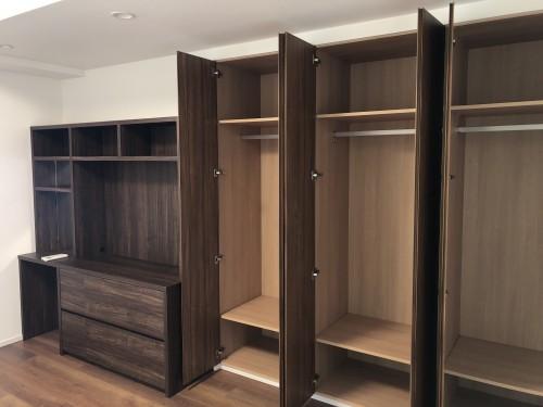 ベッドルームの作り付け家具
