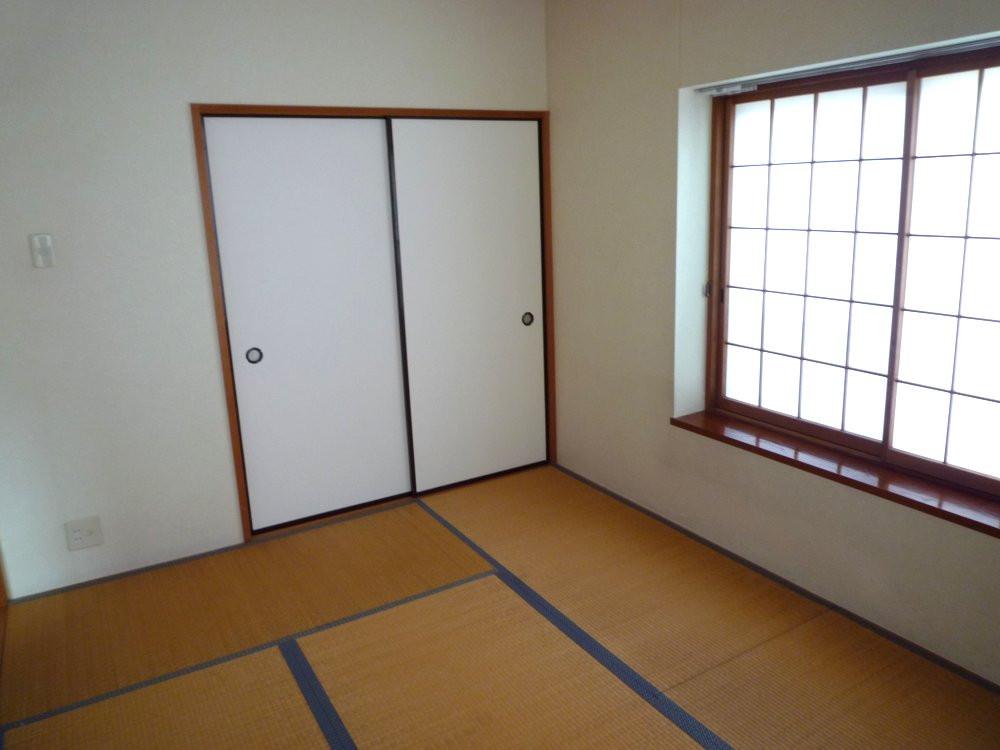 2階和室6畳 東南角部屋