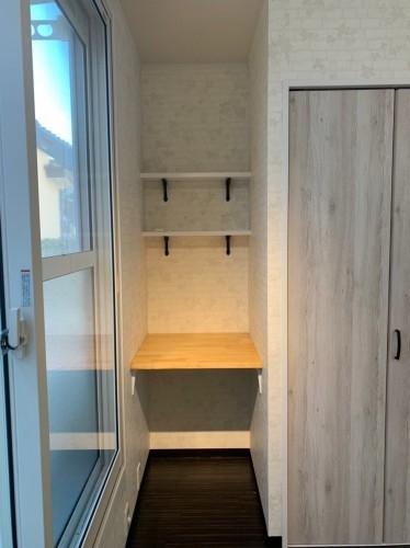 机や本棚スペースあり