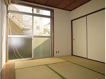 和室6帖 窓も大きく解放感のあるお部屋です♪