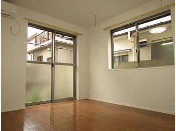 洋室7.3帖 角部屋の2面採光の為日当たり、通気性良好♪