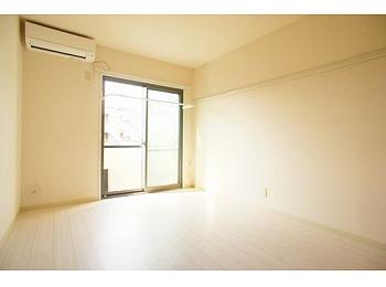 1階ですが明るいお部屋です。